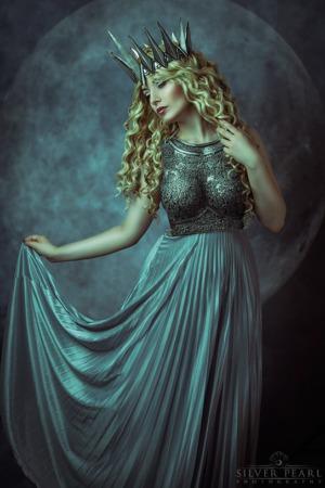 Mod Queen Fantasy Ruestung Armor Fotoshooting