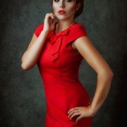 Vintage Dame in Rot