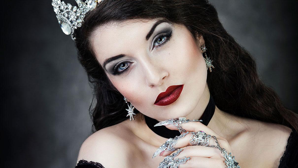 Gothic Beauty Königin Fineart La Esmeralda