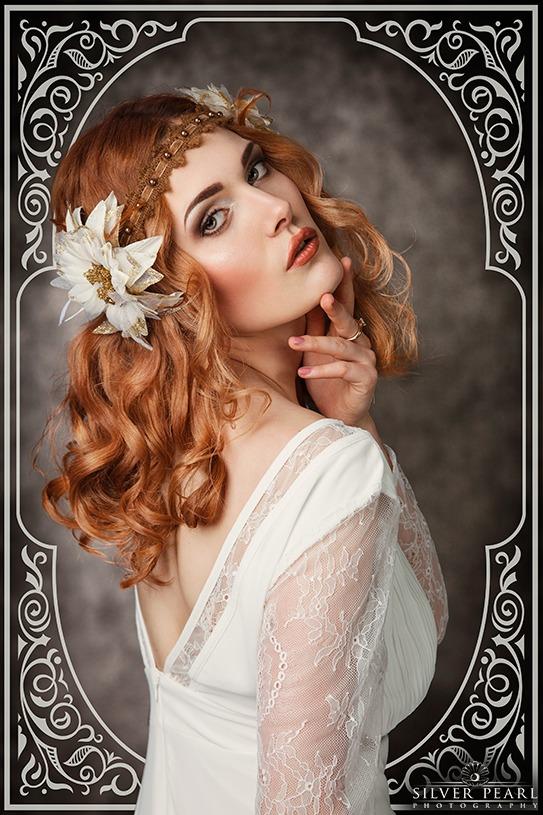 Rothaarige Jugendstil Schönheit