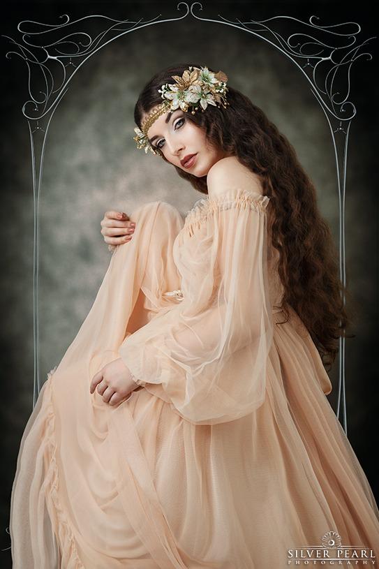 La Esmeralda Damaris Luhn